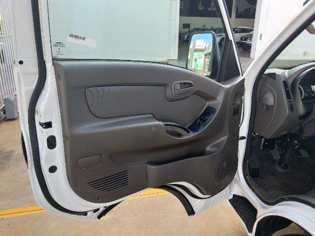 Hyundai HR Com Baú - Foto 18