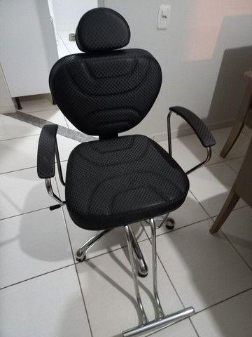 Cadeira de cabeleireiro e barbeiro - Foto 2