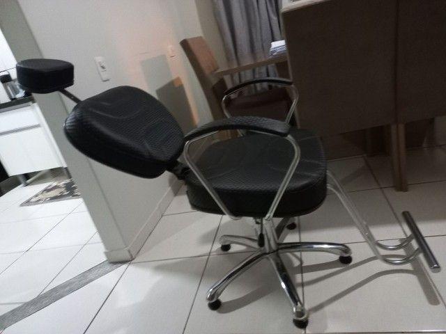 Cadeira de cabeleireiro e barbeiro - Foto 4