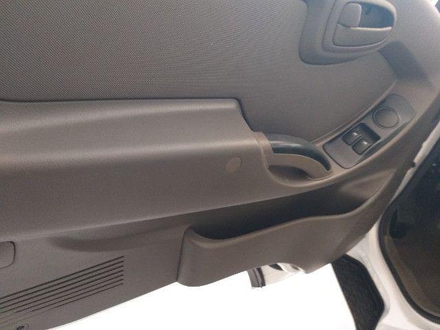 Hyundai HR Com Baú - Foto 10