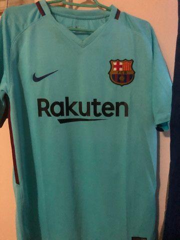 Camisas de times europeus e brasileiros futebol