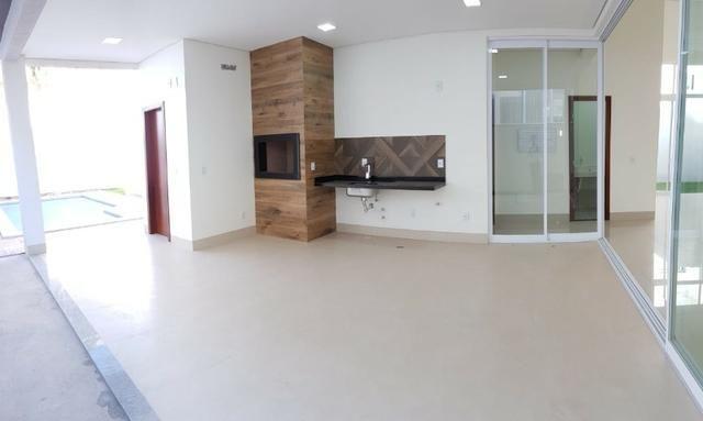 Casa térrea no Belvedere com 201 m², com 3 suítes - Foto 2