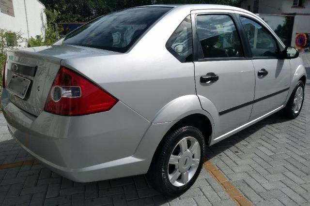 "Fiesta Sedan 1.0 Class Completo Impecável BX Km ""Impecável"" - Foto 2"