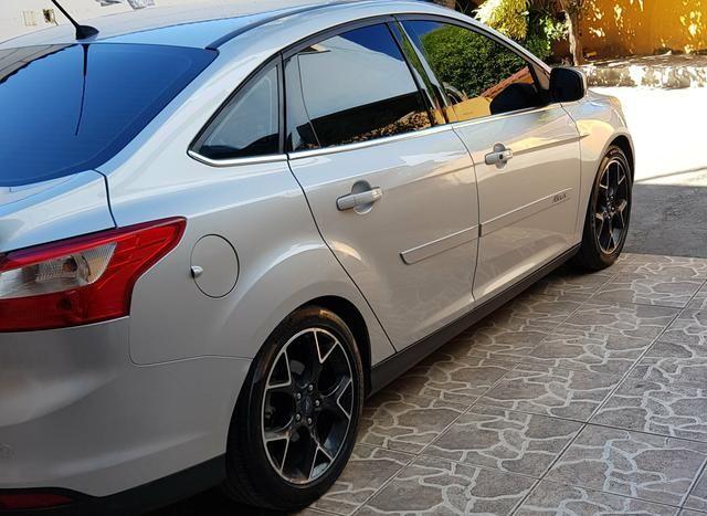 Só Venda.Ford Focus Titanium c/GNV 6° geração. Docs OK. R$43.500 - Foto 3