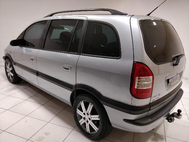 GM Chevrolet Zafira Elegance 2.0 2009 - Foto 3