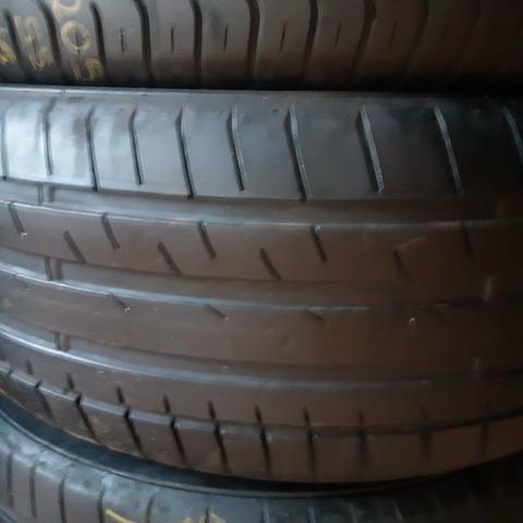 Dois pneus 215.50/17 Mais de meia vida