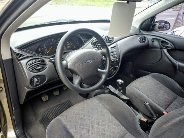 Focus Hatch 1.8 Ano 2003 - Foto 8