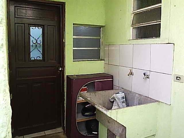 Casa de 1dorm 5x5,sala e coz conjugado,banh,com armario - Foto 5