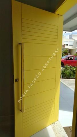Porta pivotante de madeira maciça para Lages - Foto 3