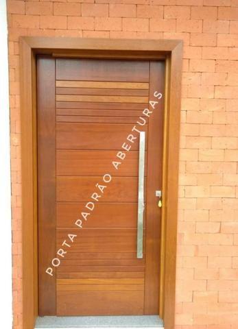 Porta pivotante de madeira maciça para Lages - Foto 4