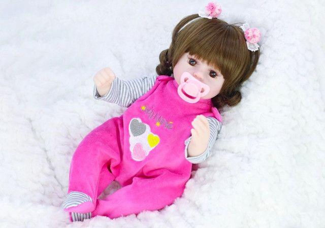Boneca bebê Reborn Menina realista a pronta entrega 42 cm  - Foto 3