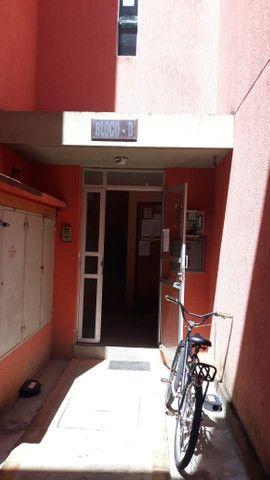 Vendo apto em condomínio 2 Qtos com móveis planejados - Foto 4
