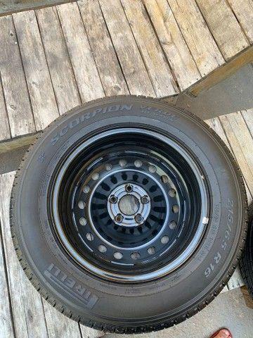 Vendo 4 pneus cada um de uma medida todos novos zero com rodas  - Foto 2