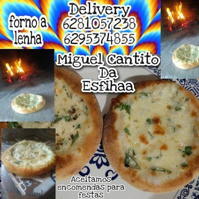 Esfihas é pizzas feitas em forno a lenha esfihas a partir (2 reais) - Foto 5