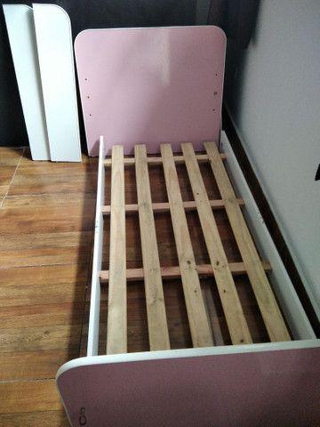 Vendo cama box e uma cama de criança