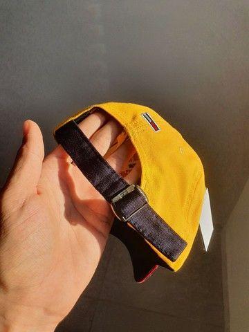 Boné Amarelo Tommy Jeans - Foto 3