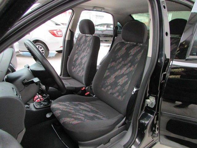 Chevrolet Corsa Sedan  Maxx 1.8 - Ano 2005 - Financio - Foto 8