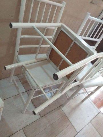 Vendo cadeiras reforçada ótima conservação Usada ótima conservação ( 70,00 CADA ) entrego  - Foto 3