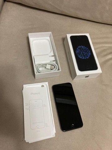 iPhone 6, sem nenhum arranhão ou trinca.