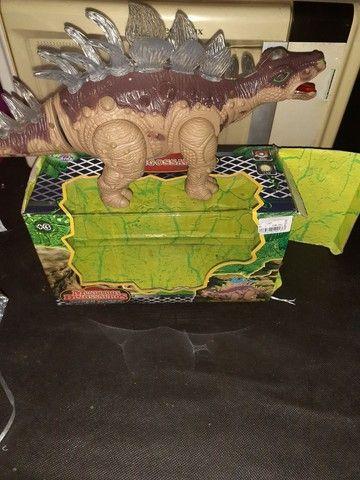 Dinossauro brinquedo