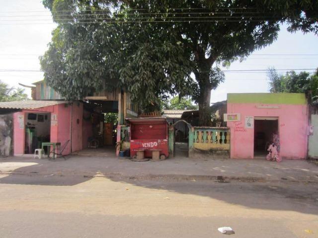Casa com dois pontos comerciais, terreno 450²
