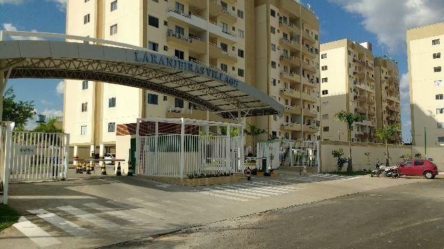 Residencial Laranjeiras Village - semi-mobiliado / Ótimo apartamento