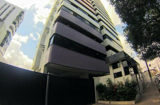 Apartamento em Petrópolis, com 260metros, 4 suites, 4 salas-Excelente Localização - Foto 2