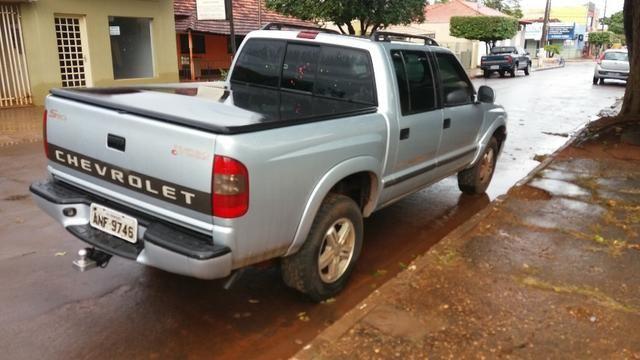 Vendo S10 Diesel Executiva 2005/2006 - Foto 3