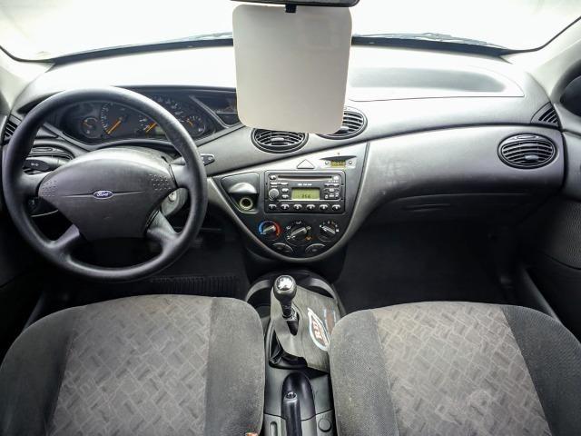 Focus Hatch 1.8 Ano 2003 - Foto 7