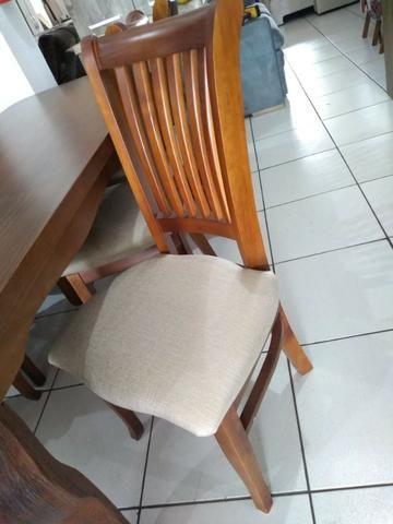 Mesa de madeira com 6 cadeiras de madeira tratada 2 M - Foto 2