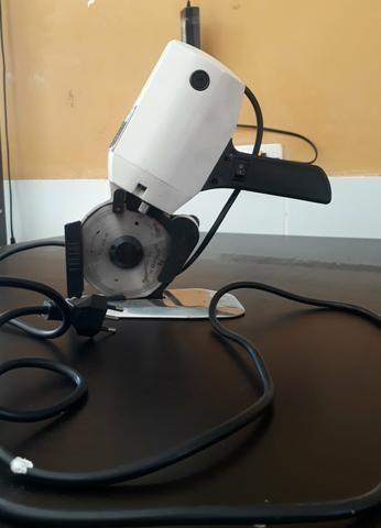 Maquina de corte de tecido Singer - Foto 3