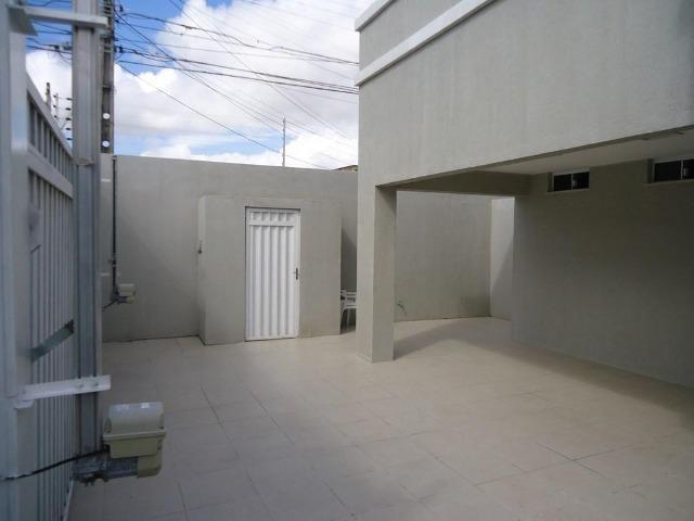 Casa plana no José de Alencar com 3 quartos, 2 vagas, ao Próximo a igreja Videira - Foto 2