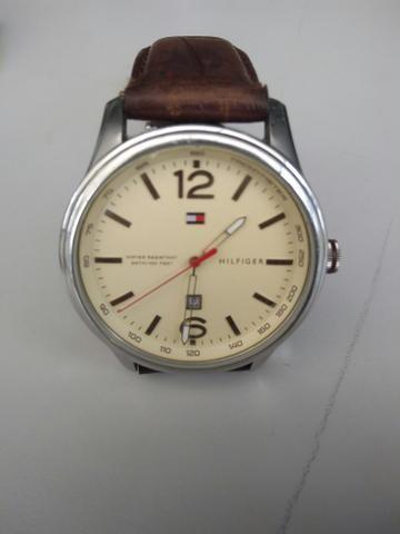 9092afc1c8b Vendo relógio - Bijouterias