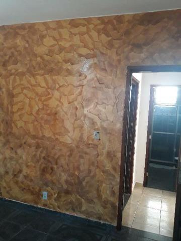 Alugo excelente casa em Vila residencial.  - Foto 6