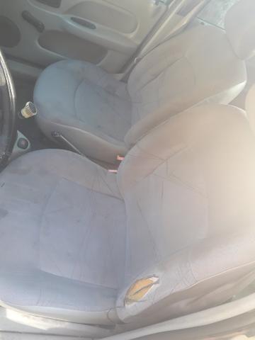 Clio Sedan 16v 1.0 4 portas (leia) - Foto 4