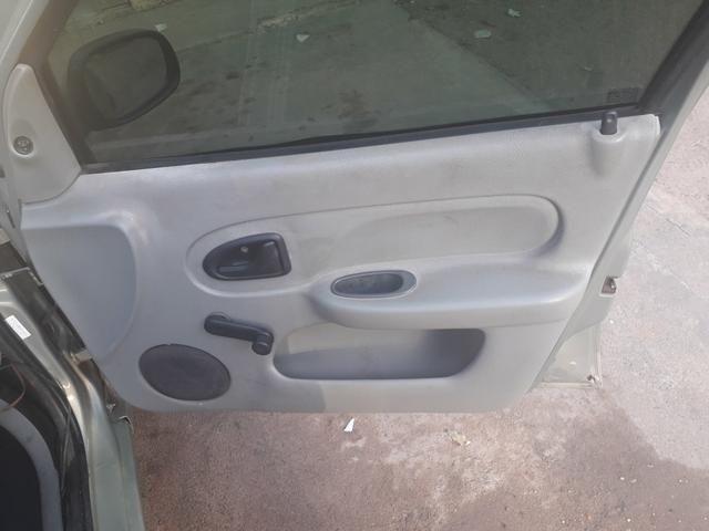 Clio Sedan 16v 1.0 4 portas (leia) - Foto 10
