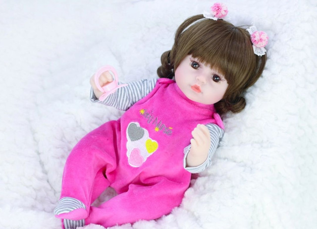 Boneca bebê Reborn Menina realista a pronta entrega 42 cm  - Foto 2
