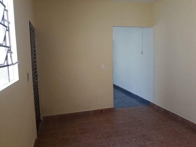 Vendo Casa Com Garagem 1 Dormitório Jardim Conduta Aceita Financiamento - Foto 2