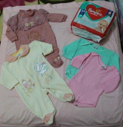 Roupinhas e fralda para bebê RN/P  - Foto 6