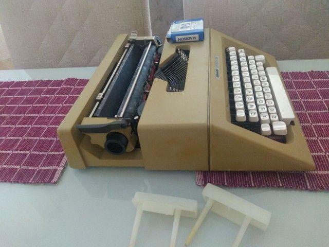Máquina de escrever Olivetti LETTERA 25 - Foto 4