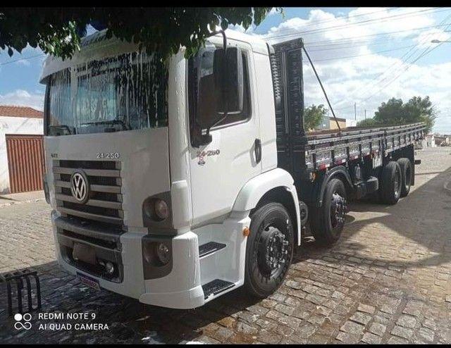 Volkswagen 24250 2010