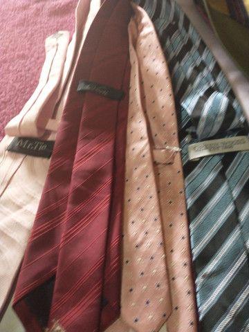 Vendo 8 gravatas 70 reais todas novas são boa as marcas - Foto 2