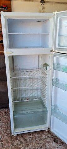 Geladeira consul gelando perfeitamente - ENTREGO  - Foto 4