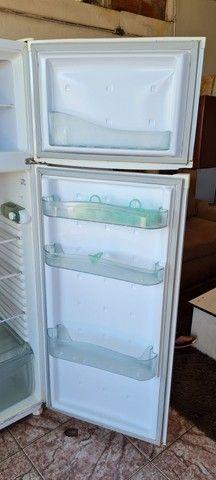 Geladeira consul gelando perfeitamente - ENTREGO  - Foto 3