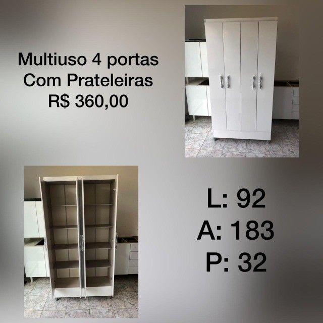 Multiuso 4 portas com prateleiras