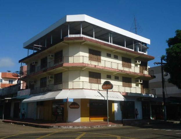 Prédio comercial e residencial no Centro de macapá