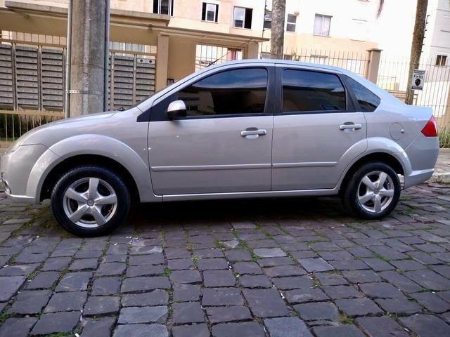 Barbada !! Fiesta Sedan 1.6 com entrada de apenas 5,200