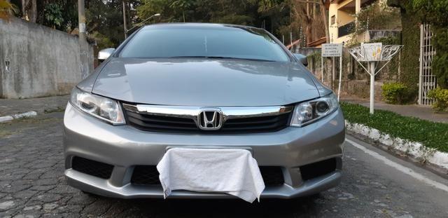 Honda Civic 1.8 LXS Flex Automático 4p