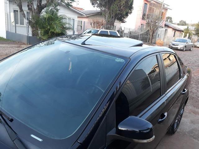 Focus Ghia Sedan 2.0 Aut com teto e couro - Foto 2