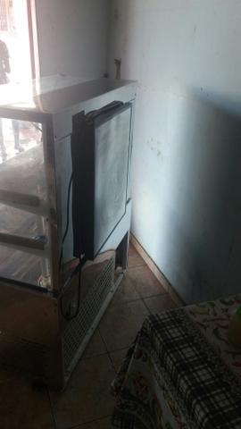 Freezer vitrinhe de 3000 por apenas 1500 acompanha nota fiscal - Foto 3